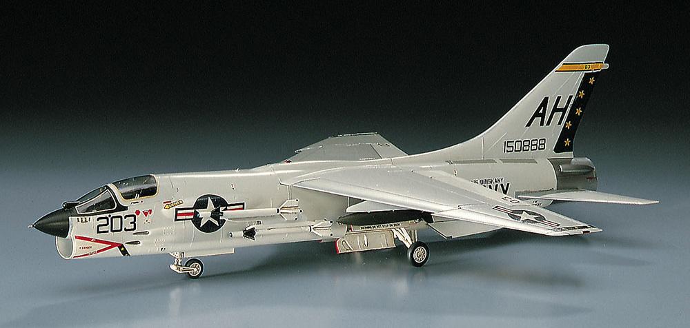 F-8E クルーセイダープラモデル(ハセガワ1/72 飛行機 CシリーズNo.C009)商品画像_2