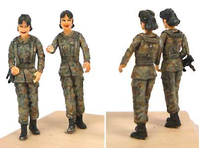 女性自衛官 1 (1体入)レジン(紙でコロコロ1/35 TROOPS & PEOPLESNo.1-35-001)商品画像_2