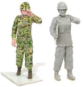 女性自衛官 2 (1体入り)レジン(紙でコロコロ1/35 TROOPS & PEOPLESNo.1-35-005)商品画像_2