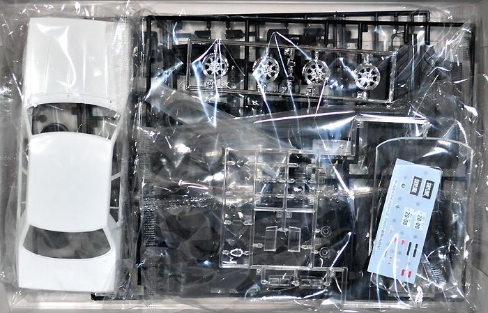 ジャパン 4Dr. 2000 GT-E・S 前期型 (HGC210) '77プラモデル(アオシマ1/24 ザ・スカイラインNo.012)商品画像_1