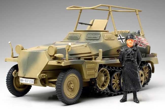 ドイツ無線指揮車 Sd.Kfz.250/3 グライフ (フィギュア1体付属) (完成品)完成品(タミヤ1/48 ミリタリーミニチュアコレクションNo.036)商品画像_1