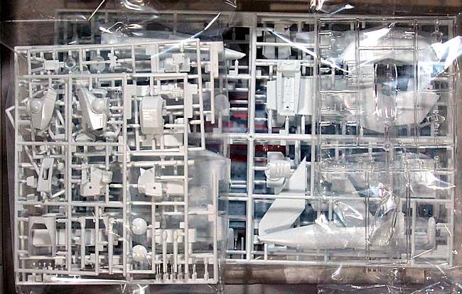 VF-1J/A バルキリー バーミリオン小隊プラモデル(ハセガワマクロスシリーズNo.MC002)商品画像_2