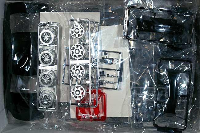エイムゲイン ユーロエディション 200 クラウン アスリートプラモデル(アオシマ1/24 スーパー VIP カーNo.090)商品画像_1