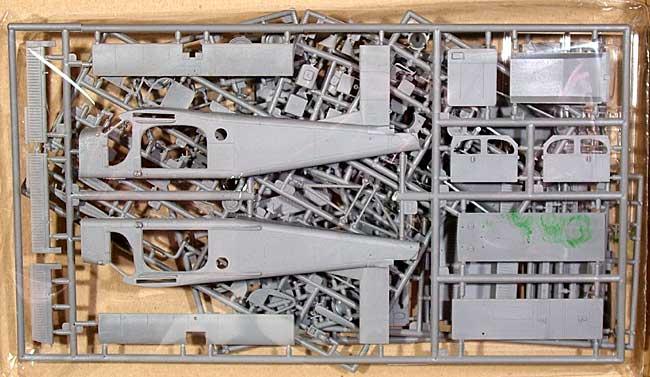 スイス ピラタス PC-6B-2/H2 ターボポーター 地上支援機・豪軍仕様プラモデル(ローデン1/48 エアクラフト プラモデルNo.048T443)商品画像_2