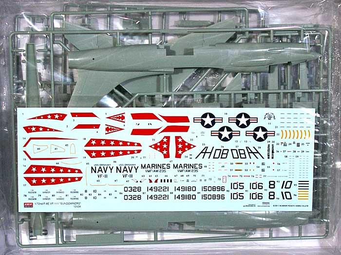 F-8E クルセイダー VF-111 サンダウナーズプラモデル(アカデミー1/72 Scale AircraftsNo.12434)商品画像_1