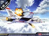 アカデミー1/72 AircraftsF-8E クルセイダー VF-111 サンダウナーズ