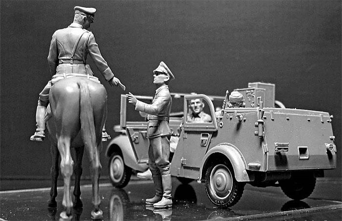 ドイツ 軍用小型無線通信車 Sd.Kfz.2 170VK w/クループラモデル(マスターボックス1/35 ミリタリーミニチュアNo.MB35151)商品画像_3