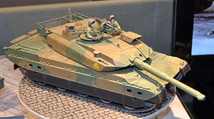 陸上自衛隊 10式戦車プラモデル(タミヤ1/35 ミリタリーミニチュアシリーズNo.329)商品画像_2