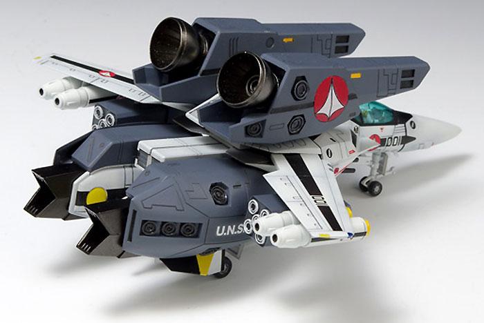 VF-1S スーパーバルキリー ファイター ロイ・フォッカー仕様プラモデル(ウェーブ超時空要塞マクロス シリーズNo.009)商品画像_2