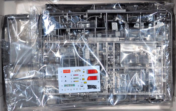 デロリアン パート3 & レイルロード (バック・トゥ・ザ・フューチャー)プラモデル(アオシマムービーメカシリーズNo.010)商品画像_3