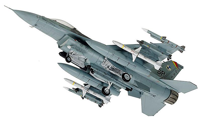 ロッキード マーチン F-16CJ ブロック50 ファイティング ファルコン (フル装備仕様)プラモデル(タミヤ1/72 ウォーバードコレクションNo.088)商品画像_3