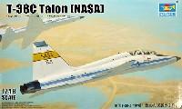 トランペッター1/48 エアクラフト プラモデルT-38C タロン NASA