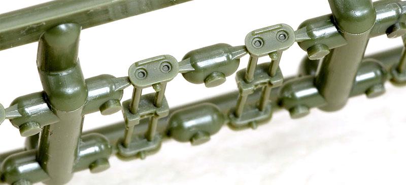 M4 シャーマン HVSS T84 連結可動キャタピラセットプラモデル(ラウペンモデル連結可動キャタピラNo.35-010)商品画像_2