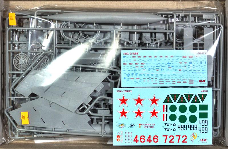 MiG-25 RBTプラモデル(ICM1/48 エアクラフト プラモデルNo.48901)商品画像_1