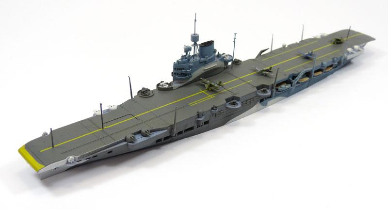 英国海軍 航空母艦 イラストリアスプラモデル(アオシマ1/700 ウォーターラインシリーズNo.718)商品画像_3