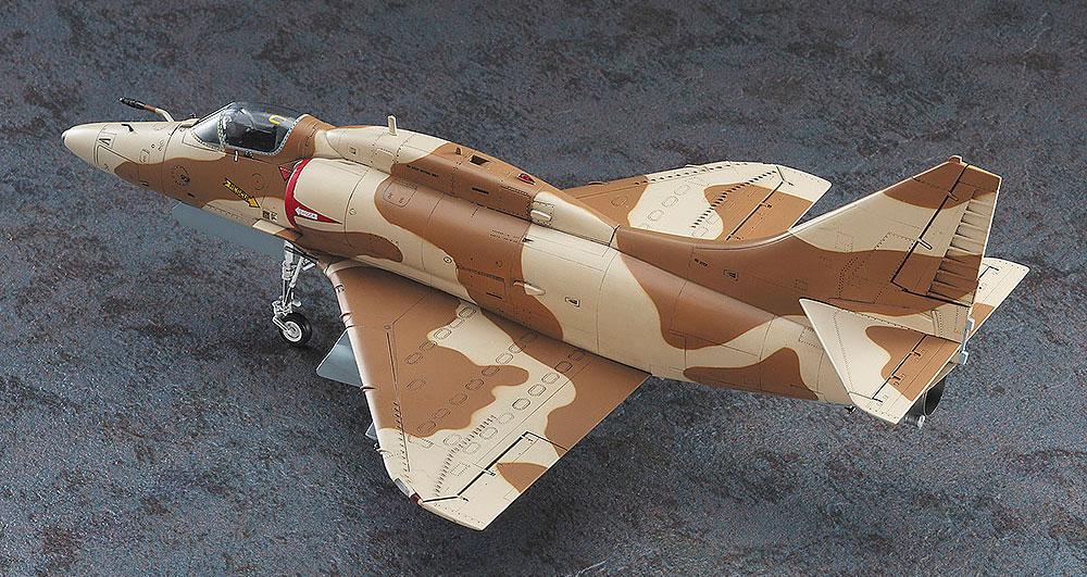 A-4M スカイホーク グレック・ゲイツ (エリア88)プラモデル(ハセガワクリエイター ワークス シリーズNo.64747)商品画像_2