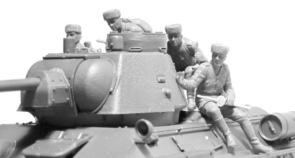 ソビエト 戦車搭乗兵 (1943-1945)プラモデル(ICM1/35 ミリタリービークル・フィギュアNo.35640)商品画像_2