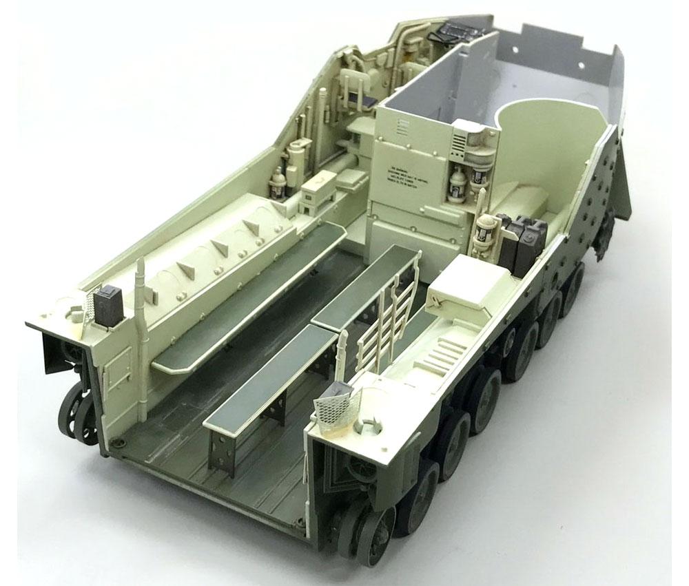陸上自衛隊 水陸両用車 AAV7A1プラモデル(童友社1/35 プラモデルNo.DMM-001)商品画像_4