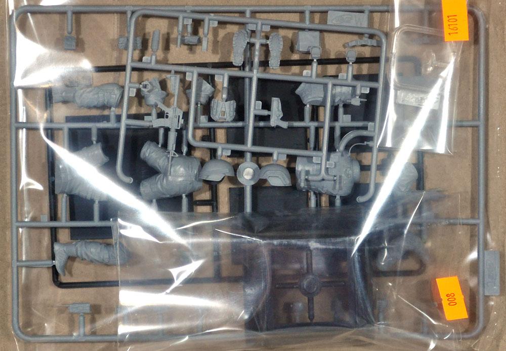 S.W.A.T. チームリーダープラモデル(ICM1/16 ワールドガードNo.16101)商品画像_1