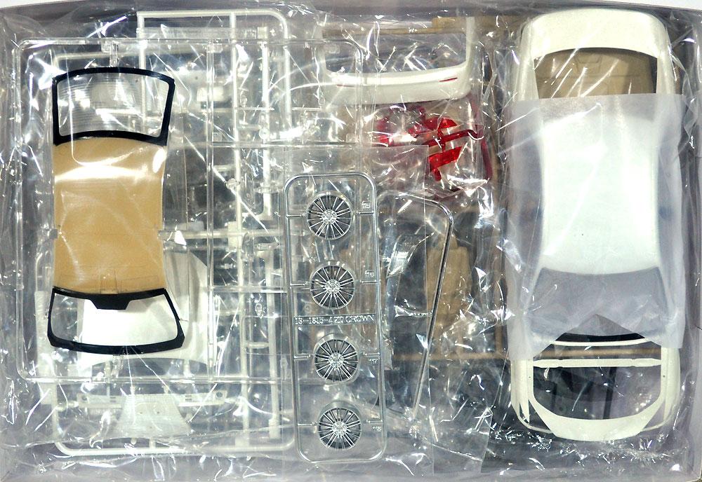 トヨタ GRS210/AWS210 クラウン ロイヤルサルーンG '15 (ホワイトパールクリスタルシャイン)プラモデル(アオシマ1/24 プリペイントモデル シリーズNo.SP50828)商品画像_1