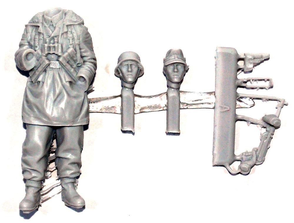 ドイツ 武装親衛隊 下士官 第3次ハリコフ戦レジン(アルパイン1/35 フィギュアNo.AM35235)商品画像_1