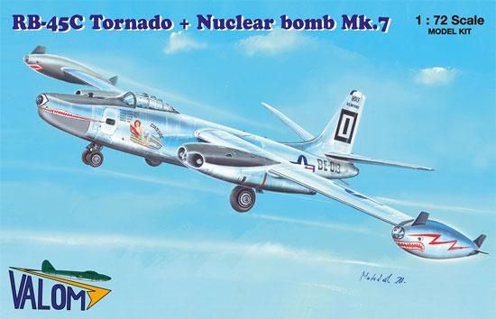 RB-45C トーネード 偵察爆撃機 + Mark.7 核爆弾プラモデル(バロムモデル1/72 エアクラフト プラモデルNo.72122)商品画像