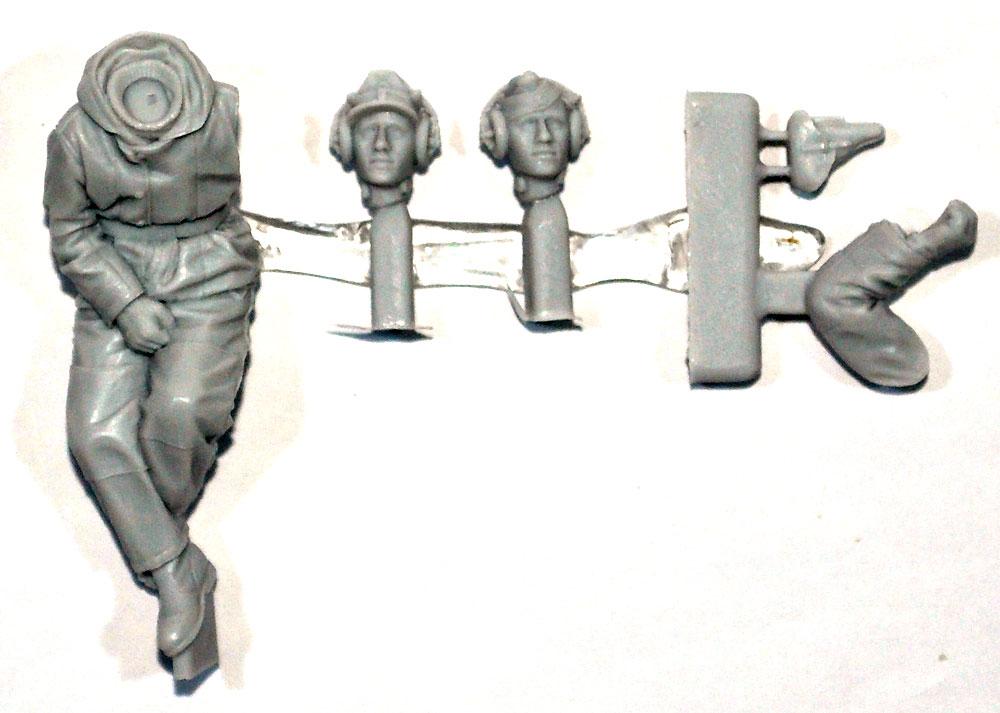 ドイツ SS 戦車兵 砲兵 (防寒服)レジン(アルパイン1/35 フィギュアNo.AM35239)商品画像_1