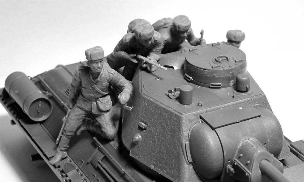 ソビエト T-34/85 w/戦車搭乗歩兵プラモデル(ICM1/35 ミリタリービークル・フィギュアNo.35369)商品画像_2