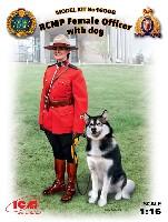 王立カナダ 女性騎馬警察 w/警察犬