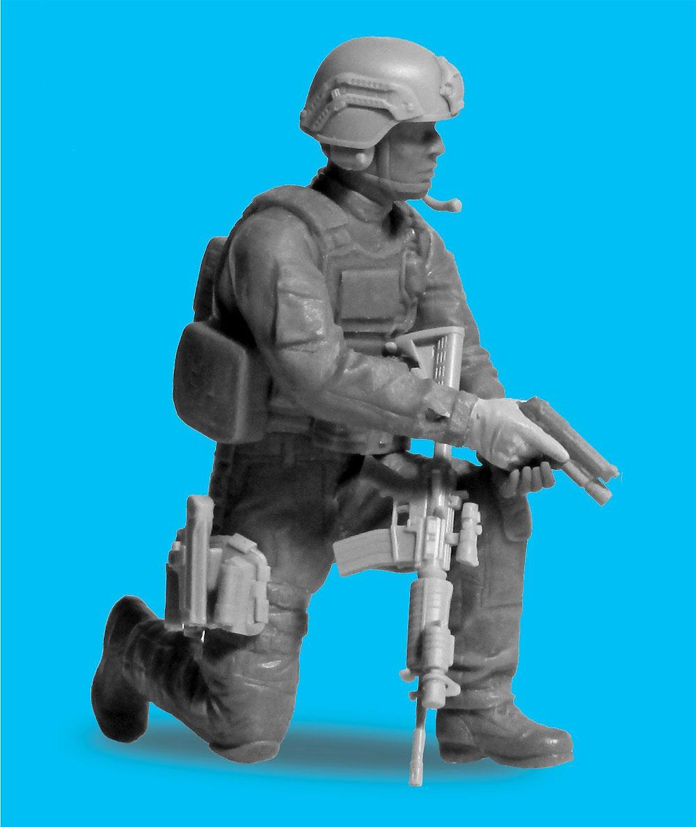 アメリカ S.W.A.T. 隊員 No.4プラモデル(ICM1/24 フィギュアNo.24104)商品画像_2