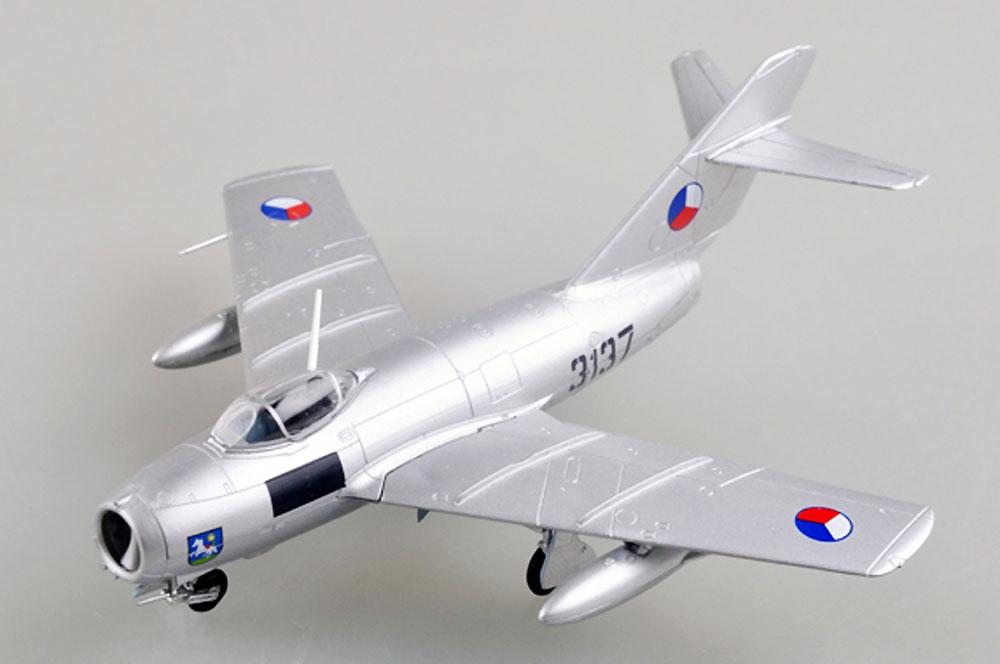 S-103 チェコスロバキア空軍完成品(イージーモデル1/72 ウイングド エース (Winged Ace)No.37132)商品画像_1