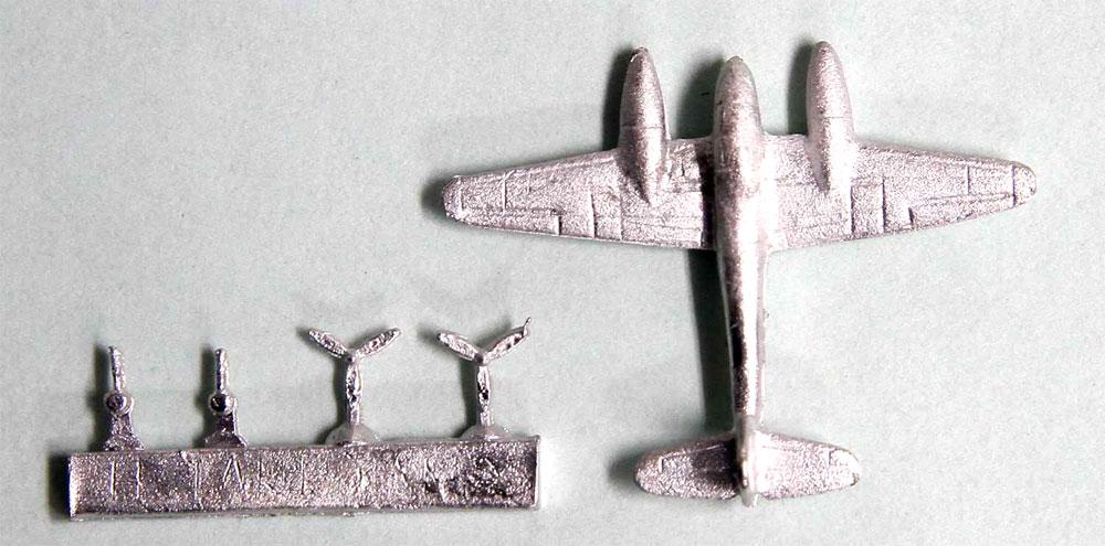 WW2 ドイツ空軍機 2 スペシャル メタル製 Me210/410 3機付きプラモデル(ピットロードスカイウェーブ S シリーズ (定番外)No.S019SP)商品画像_1