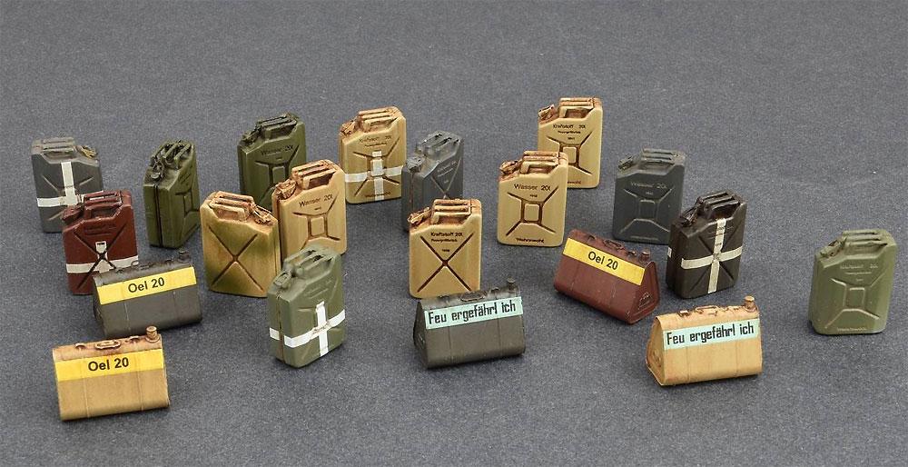 ドイツ ジェリカンセット WW2プラモデル(ミニアート1/35 ビルディング&アクセサリー シリーズNo.35588)商品画像_2