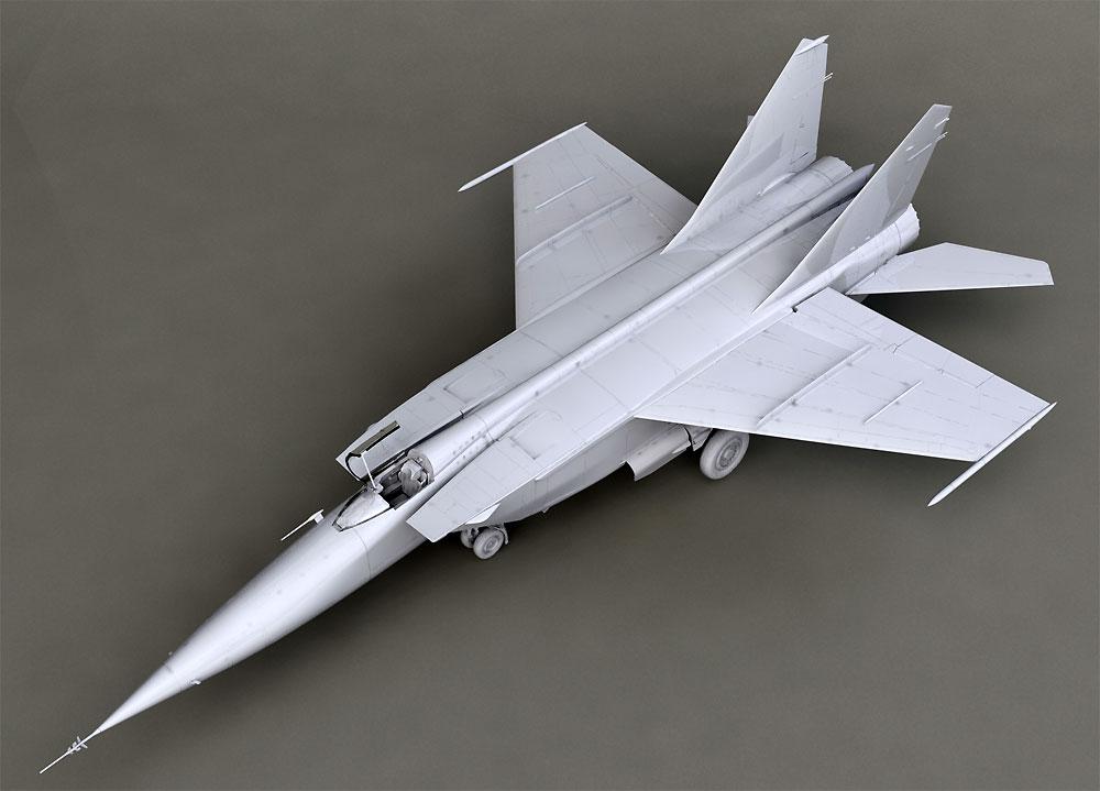 MiG-25 RBFプラモデル(ICM1/72 エアクラフト プラモデルNo.72174)商品画像_2