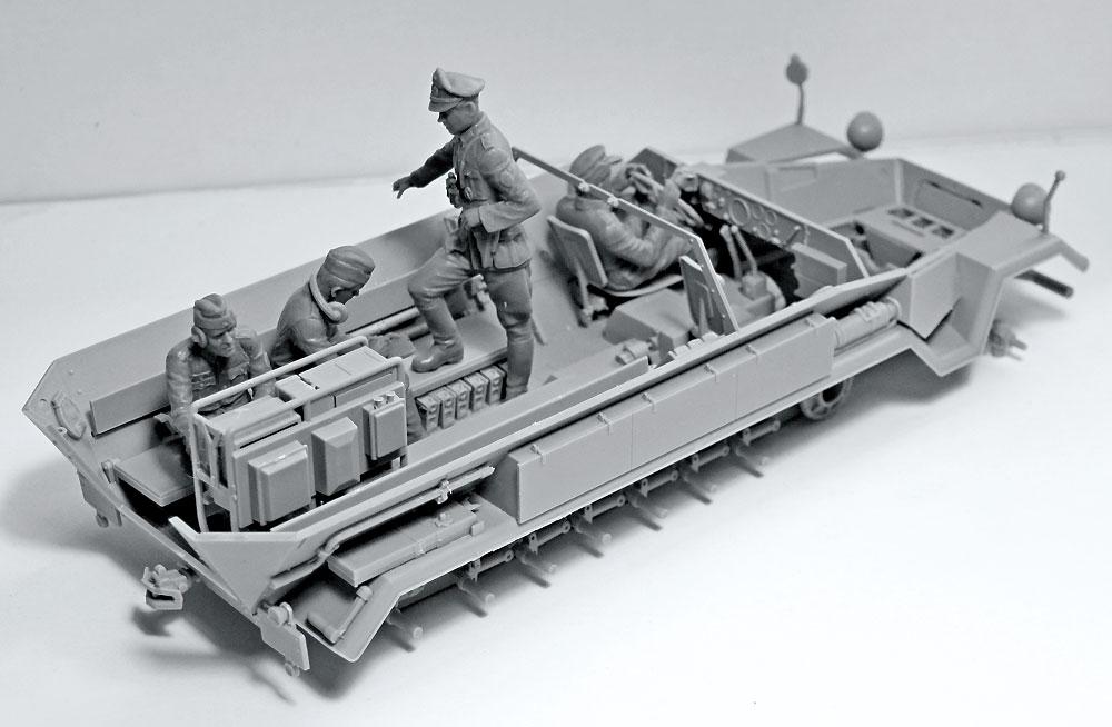ドイツ 装甲指揮車 クルー 1939-1942プラモデル(ICM1/35 ミリタリービークル・フィギュアNo.35644)商品画像_1