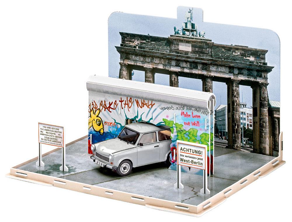 トラバント 601S ベルリンの壁崩壊30周年記念プラモデル(レベルカーモデルNo.07619)商品画像_2