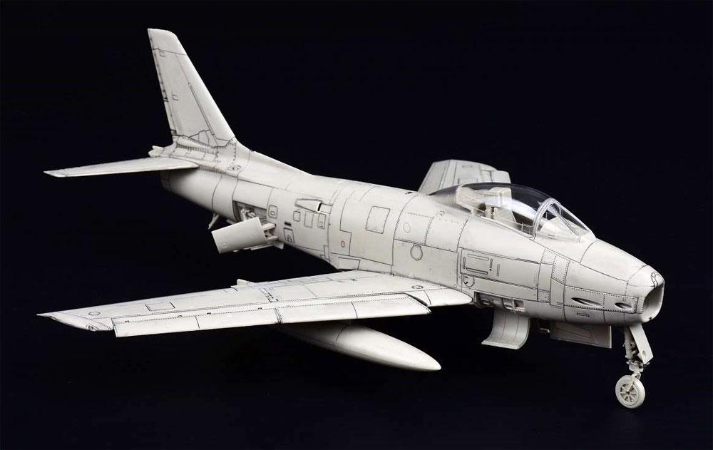 FJ-2 フューリー w/フィギュアプラモデル(キティホーク1/48 ミリタリーエアクラフト プラモデルNo.KH80155)商品画像_2