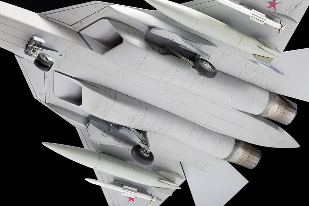 スホーイ Su-57プラモデル(ズベズダ1/72 エアクラフト プラモデルNo.7319)商品画像_4