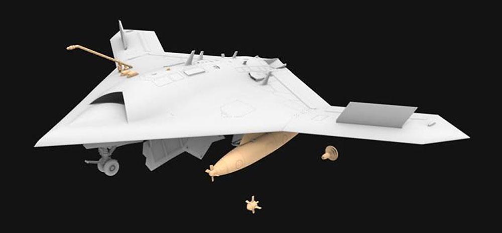 アメリカ海軍 無人戦闘航空システム X-47B 空中給油機型プラモデル(フリーダムモデル1/48 エアクラフト プラモデルNo.18019)商品画像_2