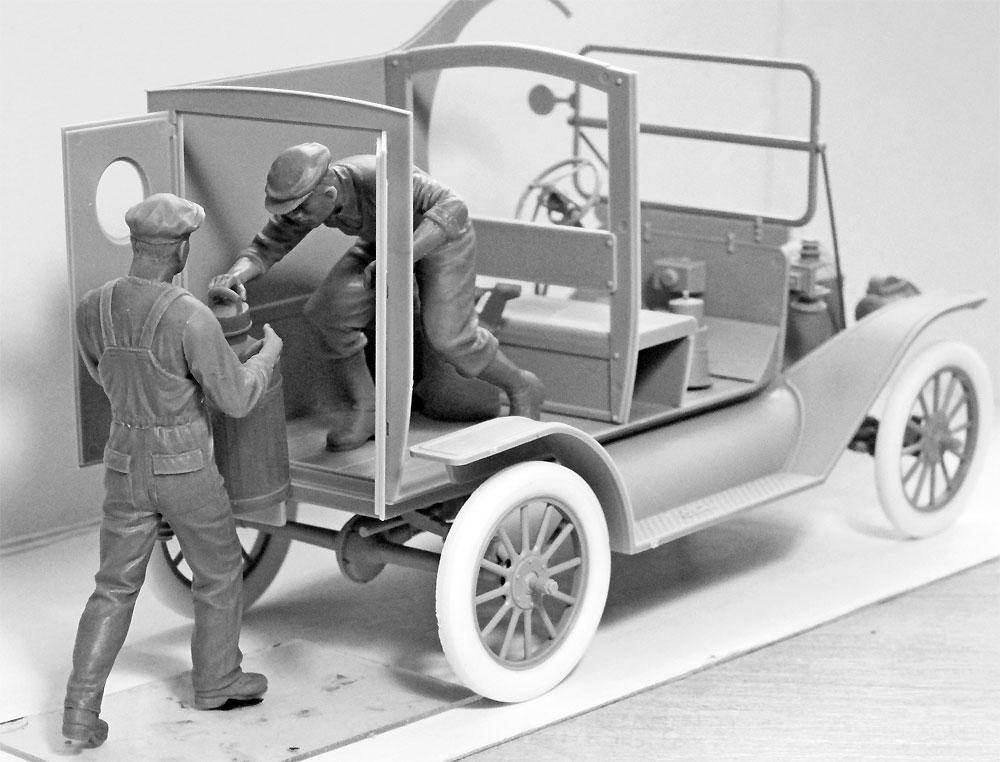 T型フォード 1912 ガソリンデリバリーカー w/配達員プラモデル(ICM1/24 カーモデルNo.24019)商品画像_1