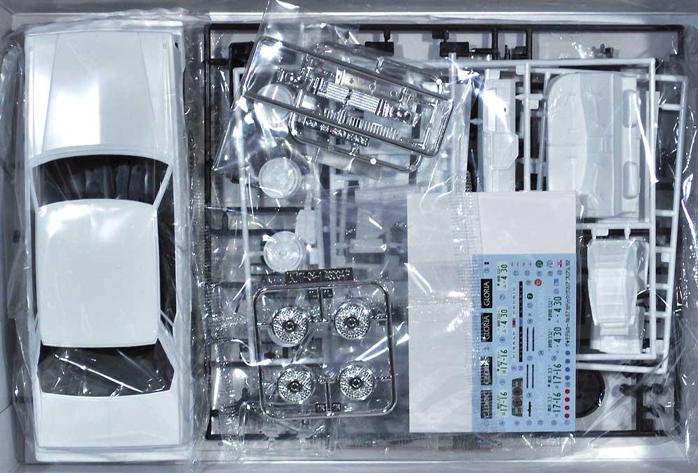 ニッサン P430 セドリック/グロリア 4HT 280E ブロアム '82プラモデル(アオシマ1/24 ザ・モデルカーNo.057)商品画像_1