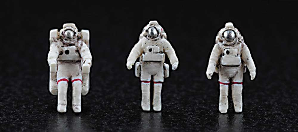 ハッブル宇宙望遠鏡 & スペースシャトル オービター w/宇宙飛行士 STS-31 エンブレムワッペン付属プラモデル(ハセガワ1/200 スペースサイエンス シリーズNo.SP455)商品画像_3