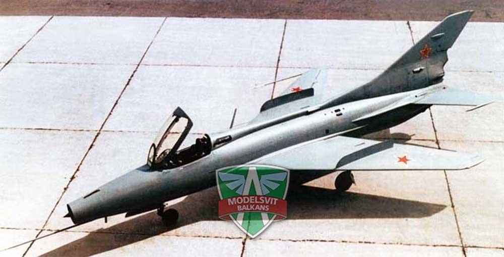 ミコヤン Ye-50 試作混合動力迎撃機プラモデル(モデルズビット1/72 エアクラフト プラモデルNo.7223)商品画像_3