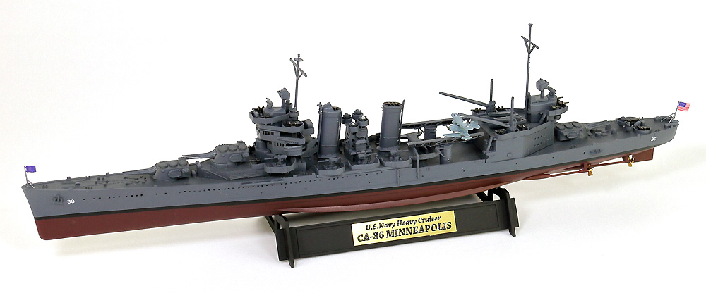 アメリカ海軍 重巡洋艦 CA-36 ミネアポリス 1942 旗・艦名プレート エッチングパーツ付きプラモデル(ピットロード1/700 スカイウェーブ W シリーズNo.W195NH)商品画像_1