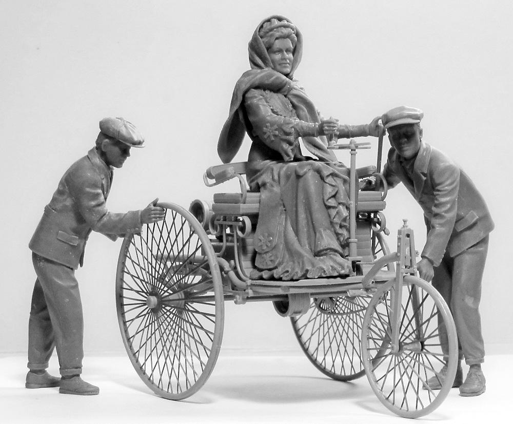 ベンツ パテント モトールヴァーゲン 1886 w/Mrs.ベンツ & サンズプラモデル(ICM1/24 カーモデルNo.24041)商品画像_1
