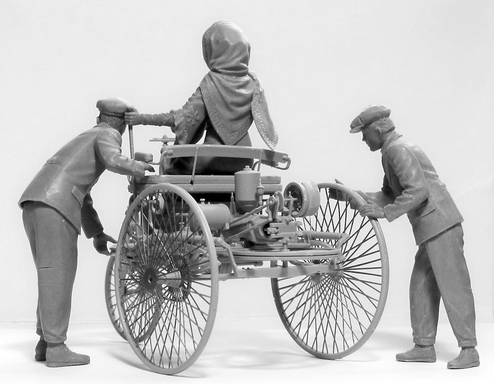 ベンツ パテント モトールヴァーゲン 1886 w/Mrs.ベンツ & サンズプラモデル(ICM1/24 カーモデルNo.24041)商品画像_2