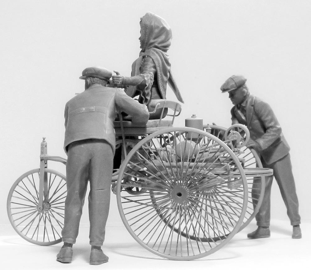 ベンツ パテント モトールヴァーゲン 1886 w/Mrs.ベンツ & サンズプラモデル(ICM1/24 カーモデルNo.24041)商品画像_3
