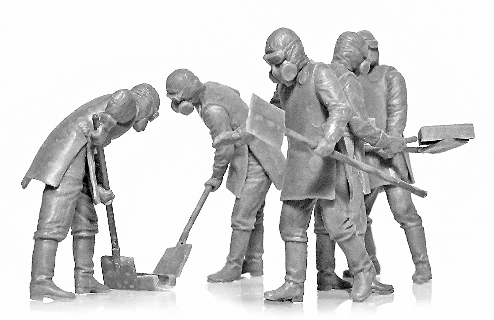 チェルノブイリ #3 瓦礫処理作業員プラモデル(ICM1/35 ミリタリービークル・フィギュアNo.35903)商品画像_2