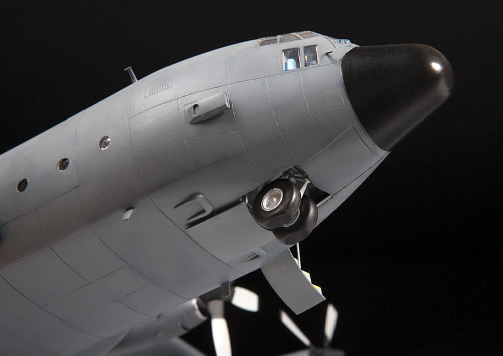 アメリカ 輸送機 C-130H ハーキュリーズプラモデル(ズベズダ1/72 エアクラフト プラモデルNo.7321)商品画像_2