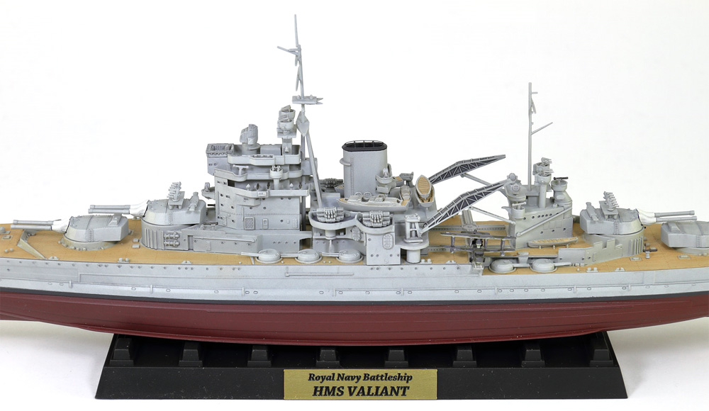 英国海軍 クイーン・エリザベス級戦艦 ヴァリアント 1939 旗・艦名プレート エッチングパーツ付き 限定版プラモデル(ピットロード1/700 スカイウェーブ W シリーズNo.W188NH)商品画像_4